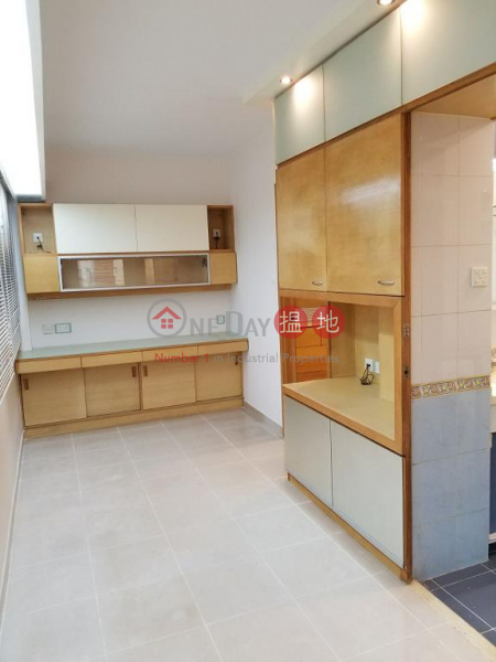 Flat for Rent in Kin Lee Building, Wan Chai