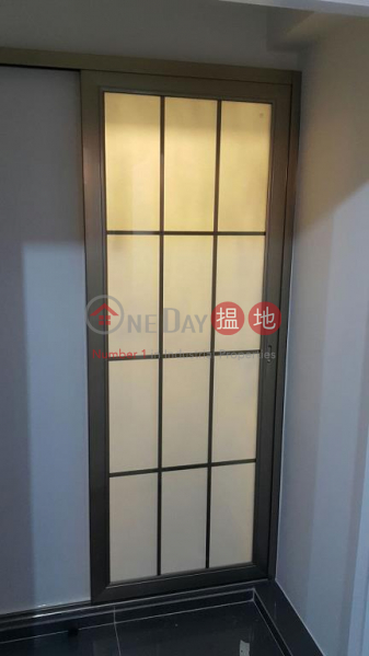 Flat for Rent in 168 Queen's Road East, Wan Chai