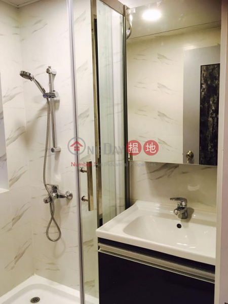 Flat for Rent in Lok Yau Building, Wan Chai