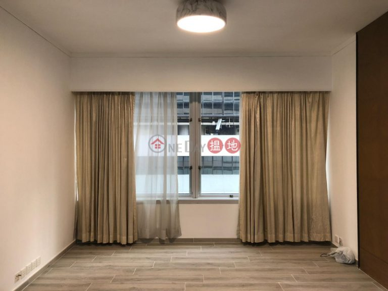 Flat for Rent in Convention Plaza Apartments, Wan Chai