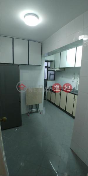 Flat for Rent in Phoenix Court, Wan Chai