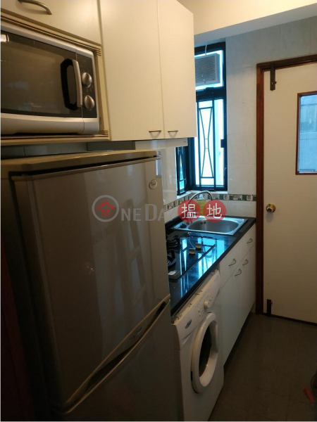 Flat for Rent in Pinnacle Building, Wan Chai