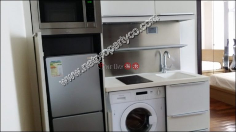 Decorated 1-bedroom apartment for rent in Wan Chai