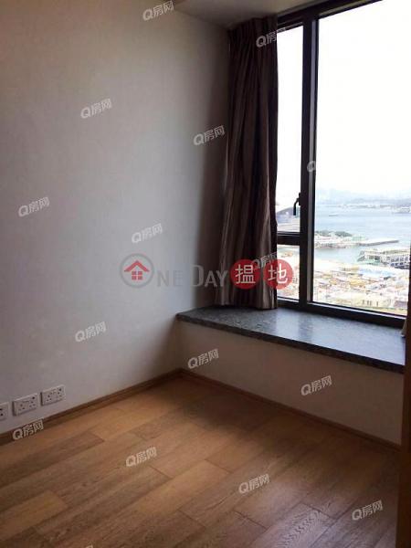 The Gloucester | 1 bedroom Mid Floor Flat for Rent