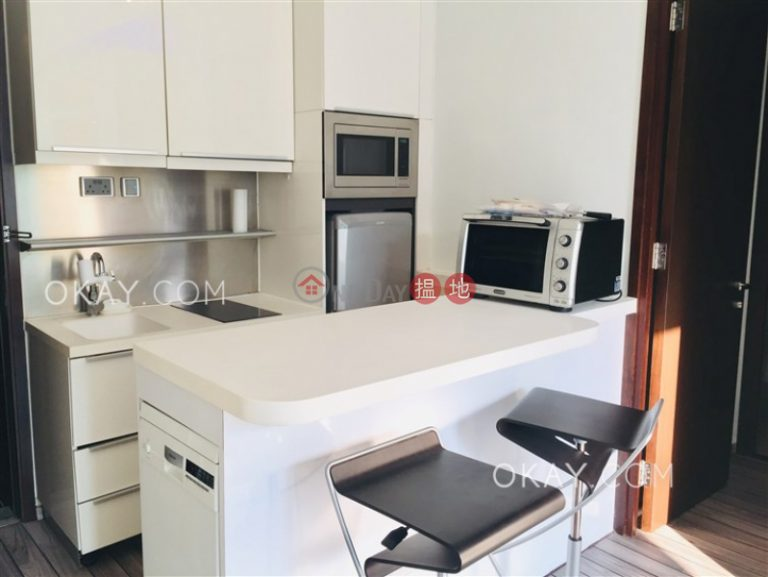 Tasteful 1 bedroom on high floor with balcony | For Sale
