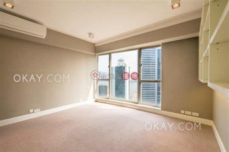 Gorgeous 3 bedroom on high floor with parking | Rental