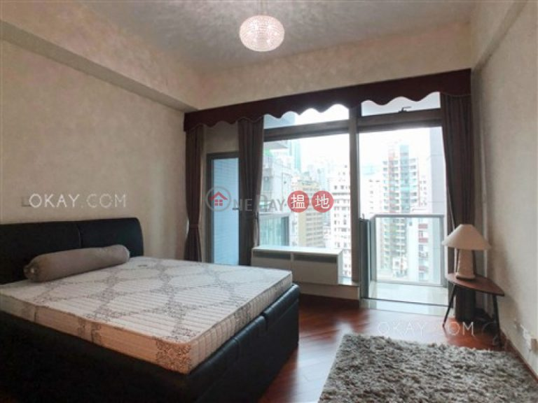 Nicely kept studio with balcony | For Sale
