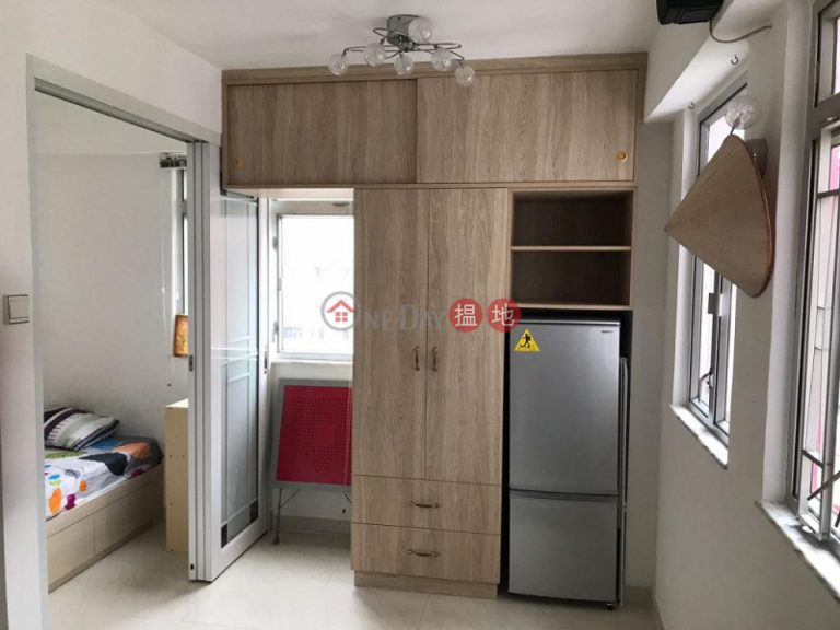 Flat for Rent in Lee Loy Building, Wan Chai