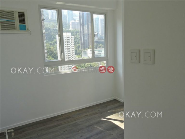 Gorgeous 2 bedroom on high floor with rooftop | Rental