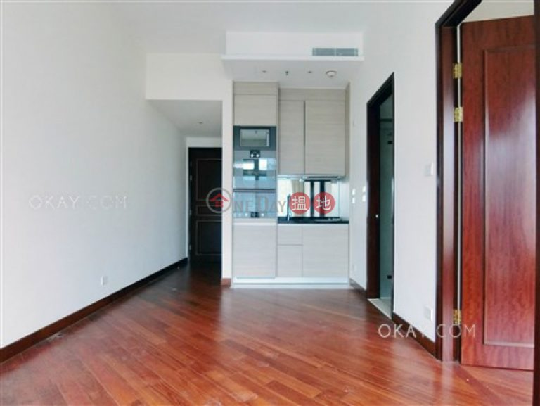 Elegant 1 bedroom on high floor with balcony | For Sale