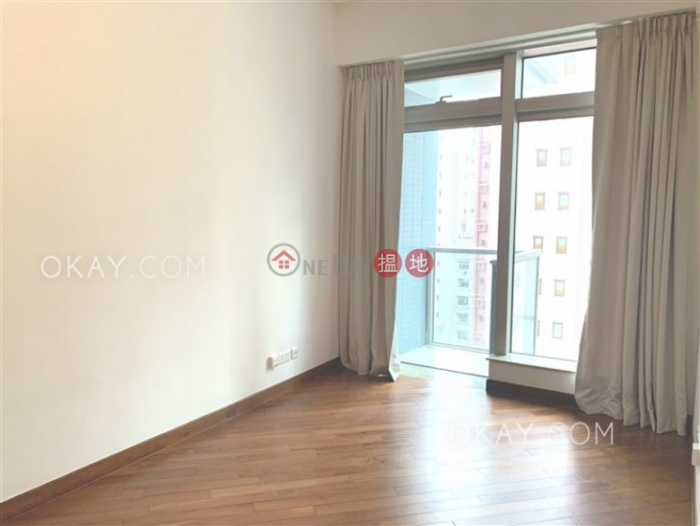 Nicely kept 1 bedroom with balcony | For Sale