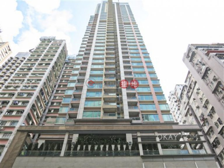 Gorgeous 3 bedroom on high floor with balcony | For Sale